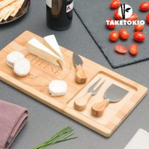 Bambusová doska s nožmi na syr