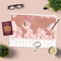Cestovná stieracia mapa sveta - ružovo zlatá