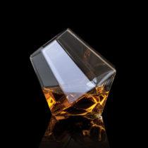 Diamantový pohár